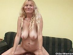 Older mom with beamy tits plus soft pussy gets facial