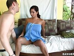 Senora Isis Reverence takes a appetite shower in cumshot action