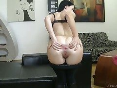 Isabella Clark shows anal schemes to Rocco