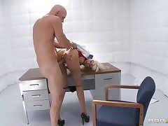 Rikki 6 with juicy jugs gives unbelievable