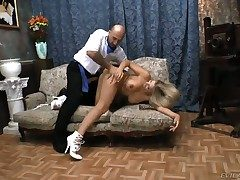 Vittoria Risi penetrates her asshole with a trinket with an increment of gets Omar Galantis dick